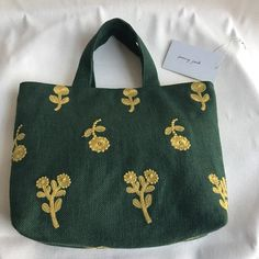 Ring Pillow, Fabric Bags, Cotton Thread, Handmade Bags, Diy And Crafts, Reusable Tote Bags, Embroidery, Ring Pillows, Canvas Bags