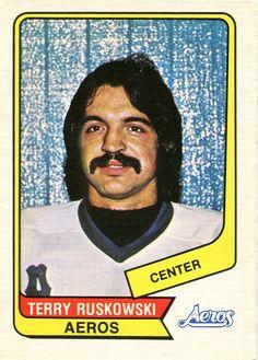 Terry Ruskowski - Houston Aeros. 1976-77 O-Pee-Chee WHA rookie hockey card.