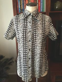 Vintage Black and White Puckered Cotton Short Sleeve Shirt
