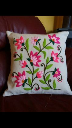 swirling leaves pillow cover for Cushion Embroidery, Hand Embroidery Videos, Embroidery Stitches Tutorial, Embroidery Flowers Pattern, Crewel Embroidery, Hand Embroidery Designs, Ribbon Embroidery, Machine Embroidery, Mexican Embroidery