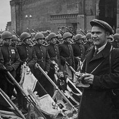 Евгений Халдей: знаменитый фотограф войны