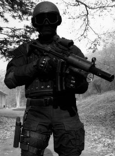 Serbian SF with MP5SD.