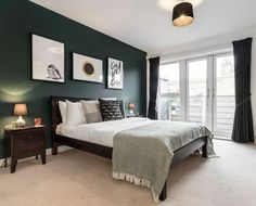 Chic, top floor 2 double bedroom, 2 bathroom flat in trendy and historical Clerkenwell in the heart of central London (zone 1) with modern, luxurious fixtures.