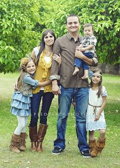 Love the color combos. Notice how some yellow elements are throughout, in girl's headband, mom's shirt, etc. and then browns are throughout, but each person looks great individually. Good example of choosing a splash of color to sprinkle in.