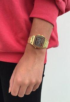Vintage 80's Style Retro Gold Digital Watch