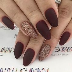 fall Trendy Manicure Ideas In Fall Nail Colors;Purple Nails; Trendy Manicure Ideas In Fall Nail Colors;Purple Nails; Dark Red Nails, Burgundy Nails, Red Matte Nails, Matte Almond Nails, Fall Almond Nails, Dark Nail Art, Burgundy Nail Designs, Matte Gold, Oval Nails