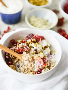 butter-toasted oat breakfast bowls I howsweeteats.com