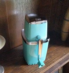 Clean Retro Sears Manual 1960s Turquoise Blue Ice Crusher. Very nice condition…