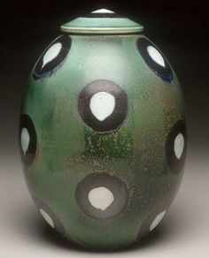 David Crane pottery at MudFire Gallery Ceramic Jars, Glass Ceramic, Porcelain Ceramics, Ceramic Pottery, Pottery Art, Clay Design, Ceramic Design, David Crane, Wheel Thrown Pottery