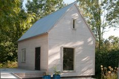 this ~in all black Tiny House Cabin, Tiny Houses, Scandi Home, A Frame Cabin, Forest House, Prefab, Outdoor Rooms, Cladding, Exterior Design