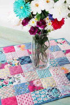 Floressence Square Tablerunner Close-Up