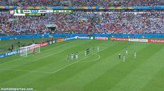 GIF: Messi is back. Golazo de falta