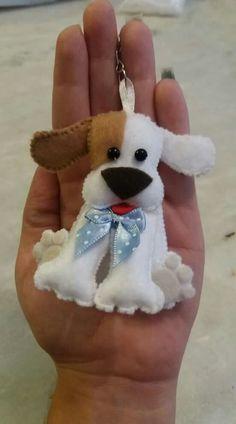 Just photo, no pattern Dog Crafts, Felt Crafts, Felt Christmas Ornaments, Christmas Crafts, Handmade Crafts, Diy And Crafts, Felt Dogs, Felt Decorations, Felt Patterns