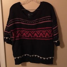 AE Sweater Very heavy winter sweater from AE. Has a small hole on right sleeve but can easily be sewn back together. Very warm and comfortable! American Eagle Outfitters Sweaters Crew & Scoop Necks