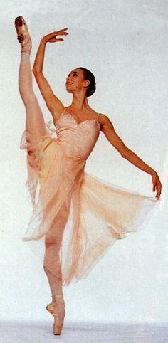 Sylvie Guillem My favorite ballet dancer Paris Opera Ballet awesomeness Ahead of her time