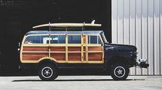1954 International Harvester Woody I'm telling you I think The Jones' could rock this lol Vintage Trucks, Old Trucks, Pickup Trucks, My Dream Car, Dream Cars, Classic Trucks, Classic Cars, Rockabilly Vintage, T1 Samba