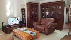 Search through the results in Apartments and Flats advertised in Pretoria East on Junk Mail Junk Mail, Pretoria, Property For Rent, Liquor Cabinet, Flat, Park, Storage, Garden, Furniture