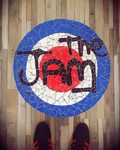 "767 mentions J'aime, 4 commentaires - KULBRITANIA (@kulbritania) sur Instagram : ""Cheers @matt_the_red_99 #thejam mosaic ready 👏#paulweller #modfather #adidassler #adidasar"""