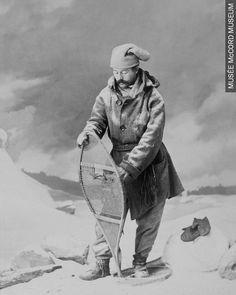 William Notman,Groupe de croquet Montréal, 1864 I-12381.1 © Musée McCord • • • William Notman, Croquet group, Montreal, 1906, I-12381.1 © McCord Museum  15380795_10154601327901578_6485634822521528475_n.jpg (768×960)