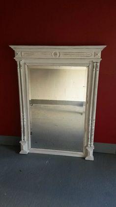 Miroir ancien relooké avec une patine blanche et vieilli