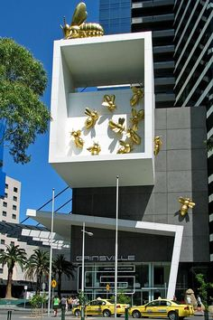Bees - Eureka Tower, Melbourne. I LOVE these Bees. Such a cute & funky addition to the building