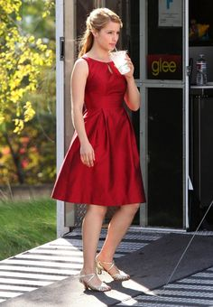 Love her.  Love this dress. Don't love Glee.
