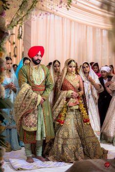 A Royal Amritsar Wedding With The Bride In A Uniquely Stunning Lehenga Punjabi Wedding Suit, Punjabi Wedding Couple, Wedding Lehnga, Sikh Wedding, Punjabi Couple, Punjabi Suits, Wedding Outfits For Groom, Bridal Outfits, Wedding Suits