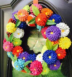 Zinnia Pinecone Wreath Front Door Wreath Pine Cone Wreath - Crafts Are Fun Pine Cone Art, Pine Cone Crafts, Pine Cones, Pine Cone Wreath, White Wreath, Diy Wreath, Wood Wreath, Painted Pinecones, Pine Cone Decorations