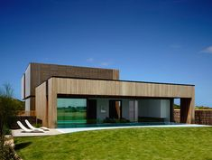 Torguay House 6 Robust Coastal Residence in Australia: Torquay House