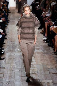 Fashion runway|Michael Kors Autumn/Winter 2014/15 NYFW Rtw | http://www.theglampepper.com/2014/02/19/fashion-runwaymichael-kors-autumnwinter-201415-nyfw-rtw/