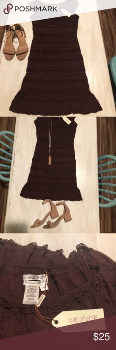Max Studio Specialty Products Dress Gorgeous dark cranberry dress perfect for date night or girls night! 💃🏽It is a form fitting body-con dress that will hug you in all the right places! The all over lace adds texture to the dress and the trumpet hemline is so flattering! It is NWT!! Max Studio Dresses
