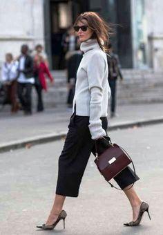 2014 – 2015 Sokak Modası http://www.kadincaweb.net/2014-2015-sokak-modasi/ #normcore #fashion #streetfashion #sokakstilleri #pfw #sokakmodası #trend #ss15 #streetstyle #jean #mfw #pfw #coolhunter #shopping #mezuniyet #graduation