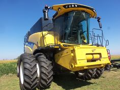 New Holland CR690 combine