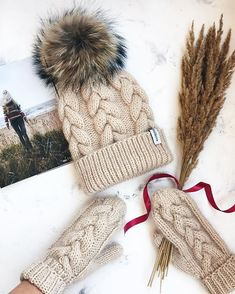 Stay Cozy This Winter: Best Knitting Ideas Knitted Mittens Pattern, Knit Mittens, Knitted Hats, Knitting Patterns, Crochet Patterns, Knitting Ideas, Knit Crochet, Crochet Hats, Knit Shoes