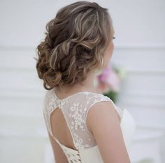 Fashionable Wedding Hairstyles. To see more: http://www.modwedding.com/2014/03/24/fashionable-wedding-hairstyles/ #wedding #weddings #hairstyle
