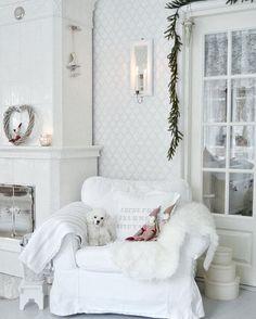Ihanaa sunnuntaita kultaisille ystäville ❤️ Ha en fin söndag ❤️ Have a. - - Ihanaa sunnuntaita kultaisille ystäville ❤️ Ha en fin söndag ❤️ Have a nice sunday ❤️ Romantic Homes, Shabby Chic Homes, Christmas Inspiration, My House, Sweet Home, Christmas Decorations, Living Room, Crib, Interior