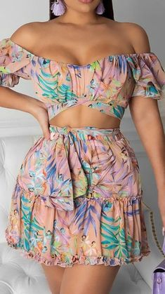 Trend Fashion, Fashion Tv, Girl Fashion, Fashion Looks, Girls Fashion Clothes, Teen Fashion Outfits, Clothes For Women, Skirt Outfits, Chic Outfits