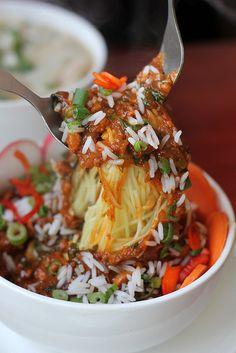 Delicious Tibetan food at Taste of Tibet restaurants in Gangtok, Sikkim, India - http://migrationology.com/2013/06/tibetan-food-gangtok-sikkim-india/