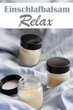 Cream the sleep balm on your wrist and relax through the scent of essential oils and fall asleep more easily Diy Hanging Shelves, Floating Shelves Diy, Mason Jar Crafts, Mason Jar Diy, Diy 2019, Diy Beauty, How To Fall Asleep, The Balm, Diy Projects