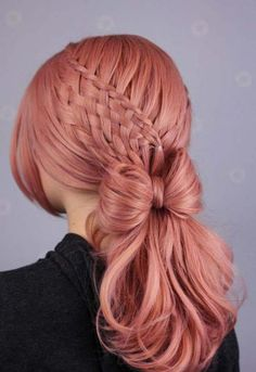 Beautiful koral pastel lace front wig with light curls below the shoulders. Box Braids Hairstyles, Pretty Hairstyles, Hairstyles 2018, Korean Hairstyles, Boho Hairstyles, Hair 2018, Trending Hairstyles, Pink Hair, Hair Bow