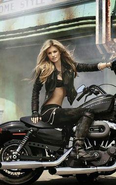 Image detail for -marisa miller i en ny reklam kampanj med harley davidson xoxo t . Love it Marisa Miller is Gorgeous and a sweetheart! Motos Sexy, Biker Costume, Auto Girls, Chicks On Bikes, Motorbike Girl, Girl Bike, Motorcycle Gear, Motorcycle Leather, Harley Davidson Sportster