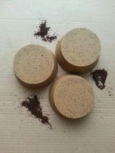 Jabón de aceite de oliva exfoliante con cafe de Colombia