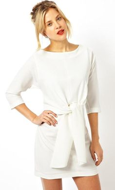 Made from a breathable woven fabric. Slash neckline. Gathered self-tie waist. Exposed zip back faste...