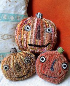 - Rug making Rug Hooking Designs, Rug Hooking Patterns, Wool Fabric, Fabric Art, Wool Rugs, Samhain, Punch Needle Patterns, Rug Inspiration, Hand Hooked Rugs