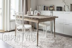 Diy dinner table for my city home. Winter House, Dinner Table, Diy Ideas, Cottage, Dining, City, Furniture, Home Decor, Dinning Table