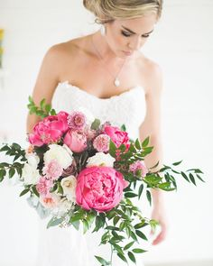 vibrant hued bouquet perfect for summer wedding #summerwedding #wedding #bouquet #weddingbouquets