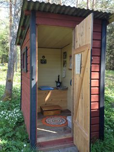 shed plans! Start building amazing sheds the easier way. with a collection of shed plans! Outside Toilet, Outdoor Toilet, Outdoor Baths, Outdoor Bathrooms, Lavabo Exterior, Outhouse Bathroom, Composting Toilet, Building A Shed, Cabins In The Woods