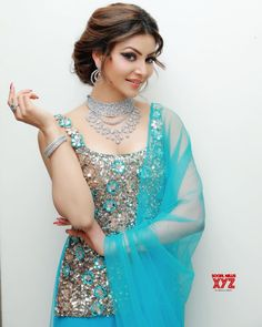 The Latest and unseen photos of the beauty of the Bollywood industry is Urvasi Rautela. Beautiful Girl Photo, Cute Girl Photo, Beautiful Bollywood Actress, Beautiful Indian Actress, Modest Fashion Hijab, Bollywood Girls, Indian Bollywood, Stylish Girl Images, Indian Designer Outfits