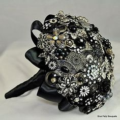 #Black #BroochBouquet #Wedding