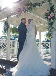 Rose Hill Plantation - Wedding Gazebo Decor - Ave Nocturna Photography - NC Wedding Planner Orangerie Events